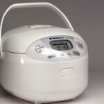Top 8 Best Small Rice Cookers For 1-2 Persons Reviews in 2021