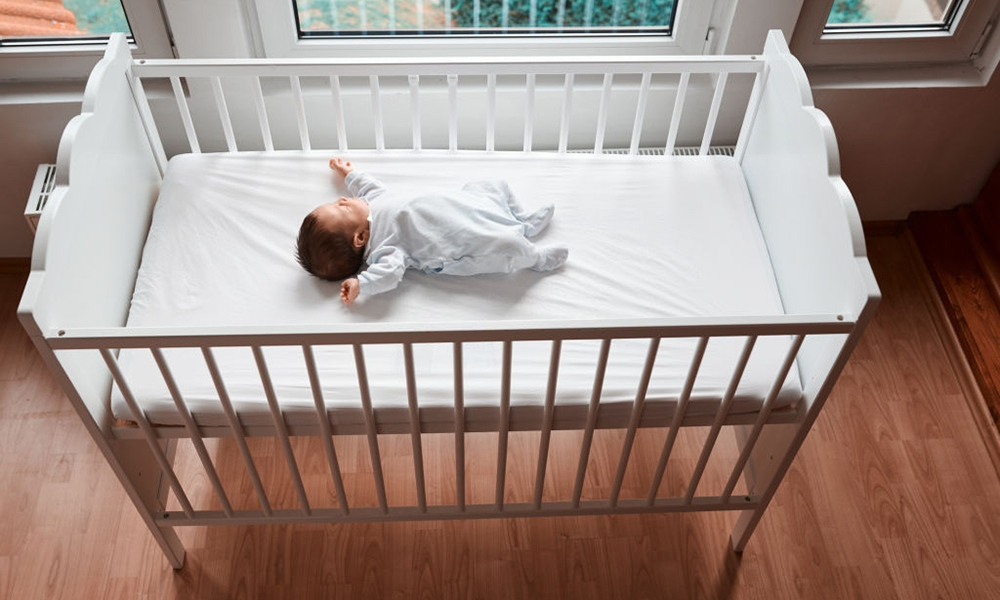 Best Small Baby Cribs For Small Spaces