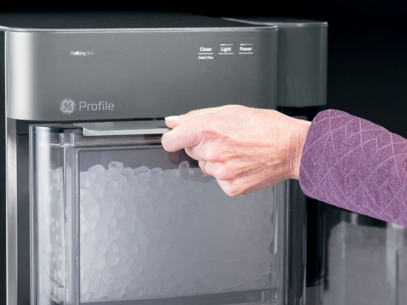 Tips for keeping ice maker clean